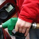 Возачи од денес полните резервоари со горива по овие цени