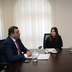 ВКРСТЕНО ИНТЕРВЈУ Азески: Владата киксна за персоналецот, Анѓушев: Подготвен сум да работам за ништо, ама не и да изгубам се
