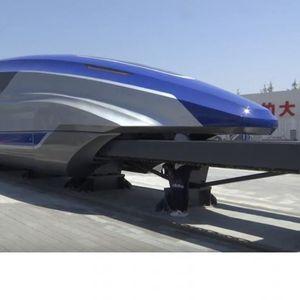 (ВИДЕО) Ова е најбрзиот воз на светот кој лебди на шините