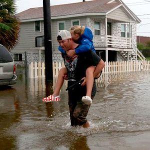 "Бурата ""Имелда"" го разори Тексас"