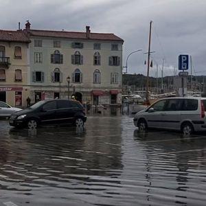 НЕВРЕМЕ: По Хрватска, под вода е и дел од Словенија