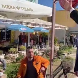 (ВИДЕО) Рама до невработени млади во кафуле: Што седите, ајде да градите!