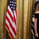 Меланија Трамп и малиот црн фустан...