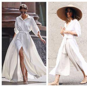 Облечени во комплетно бели комбинации е секогаш добра идеја во лето