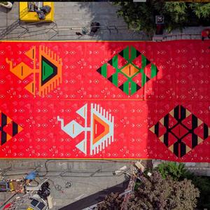 """Етно црвен клим на """"Сараевскиот филмски фестивал"""" - генијална идеја за промоција на традицијата"""