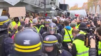 Судири со полицијата во Париз