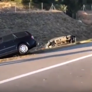 Македонци со тазе купен автомобил доживеаја сообраќајна несреќа кај Врање