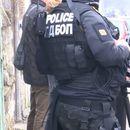 Двама полицаи в ареста след акция срещу наркобанда