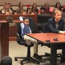 Ja повика цела градинка во суд на денот на неговото посвојување – момче кое топи срца
