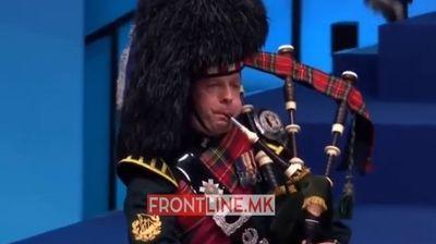 """Со звуците на """"Scotland the brave"""", прв излегува Заев"""