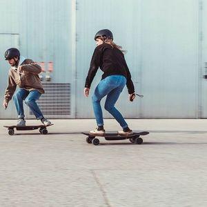 Студенти иноватори на скејтборд за деца со посебни потреби: Не сакаме да заминеме од земјата
