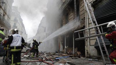Тројца загинати и десетици повредени во експлозијата во Париз