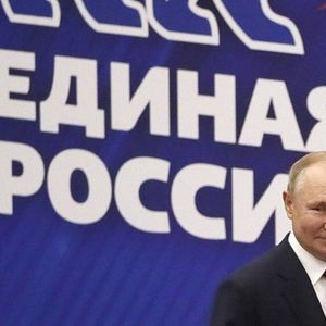 Jedinstvena Rusija vodi na izborima obeleženim navodima o neregularnostima