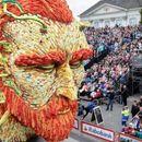 Парада во Холандија го слави Винсент ван Гог со гигантски фигури изработени од цвеќиња