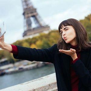 10 трикови кои познатите ги користат за да добијат совршено селфи!