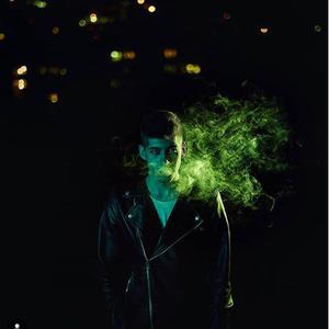 """Светскиот призвук доаѓа: Христијан Митров со """"Thousand Questions"""" ја започнува својата кариера!"""