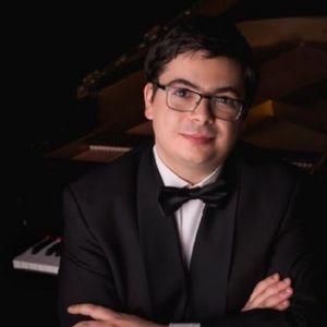 На български виртуоз на пианото му предстои голямо участие във Виена