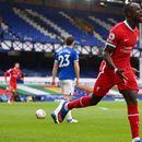 Ливърпул повеждаше на 2 пъти срещу Евертън, но не победи в мач с 4 гола и червен картон