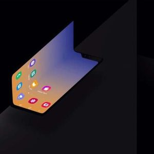 Новиот Samsung смартфон на преклоп ќе биде многу поевтин од Fold