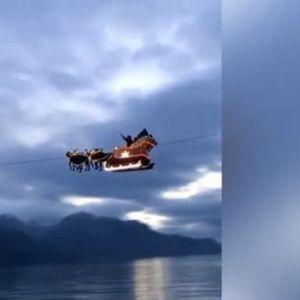 Дядо Коледа прелетя с шейната си над Швейцария