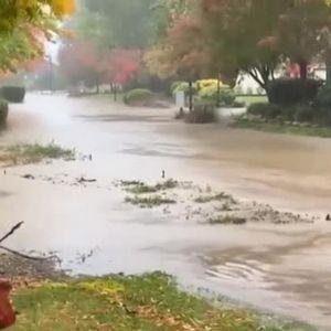 Силна бурq предизвика наводнения и свлачища в Калифорния
