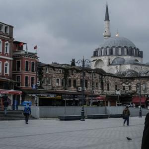 Турция въведе по-строги мерки заради коронавируса
