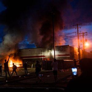 Безредици в Минеаполис заради полицейско убийство с расови мотиви