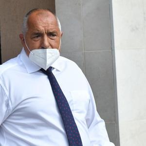 Борисов и трима министри поставени под карантина