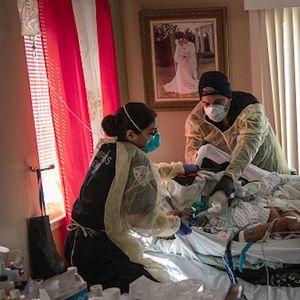 Жертвите на COVID-19 по света вече са над 2,15 милиона души