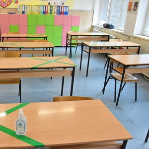 Градинките и училиштата остануваат отворени, засега во нив нема жаришта на коронавирусот