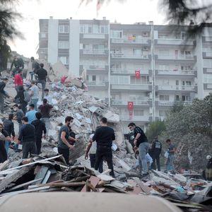 Расте бројот на загинати во Турција – почина дете извлечено од под урнатините