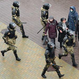 """""""Весна"""": Повеќе од 20 активисти уапсени на протестите во Минск"""