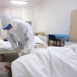 Во Албанија 832 новозаразени и 12 починати од Ковид-19