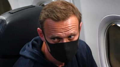 Навални приведен по слетувањето во Москва