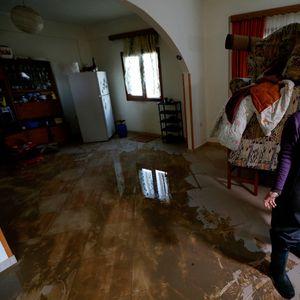 Поплави во Албанија, претседателот Мета бара итно ангажирање на сите структури