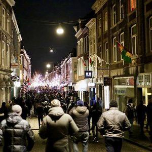 Продолжуваат протестите во Холандија поради карантинот