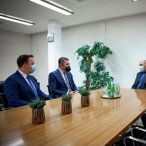 Мицкоски по средбата со Јанша: Економијата е девастирана, што е последица на неспособноста на Владата
