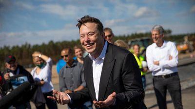 Необичен потег на Елон Маск: Вклучил 4000 вработени на SpaceX во студија за Ковид-19