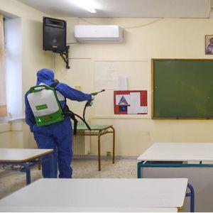Дел од средношколците во Грција се враќаат во училишните клупи, но со негативен тест за Ковид-19