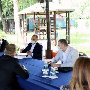 Филипче на средба со поранешни министри за здравство: Нов Клинички Центар на ново место, во најбрз можен рок