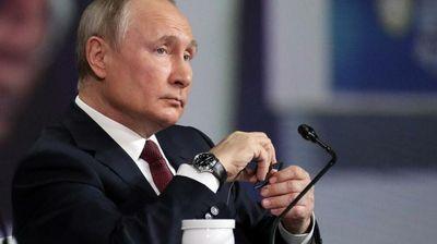"""Британски """"Сан"""" за тајниот живот на Владимир Путин: Вонбрачни ќерки, мистериозни љубовници, богатство што се мери во милијарди и отруени противници"""