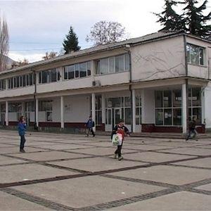 Омбудсман: Училиштата веднаш да им ги вратат парите на родителите за свидетелствата