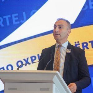 Груби: Со официјализација на албанскиот јазик земјата доби полојални граѓани
