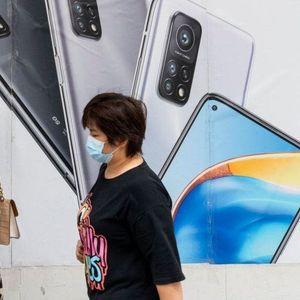 Литванија им препорача на своите граѓани да ги фрлат кинеските смартфони