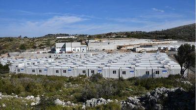 Грција отвори нов бегалски камп во кој можат да се сместат 3.000 лица