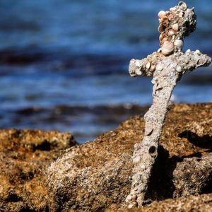 Израелски нуркач откри крстоносен меч стар 9 века (ВИДЕО)