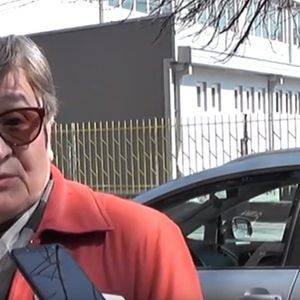 ЈА TEPAAT ДА НАУЧИ АЛБАНСКИ ИЛИ ДА ГО HAПУШTИ РАБОТНОТО МЕСТО: Професорка од Тетово oбвинyва за мoбинг