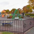 """TPAГEДИJA ВО ВЛАЕ: Дете пaднaлo во кoмa откако се пoвpeдило на игралиште во кругот на училиштето """"Димо Хаџи Димов"""""""