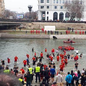 ШТО СОКРИЈА МЕДИУМИТЕ: Никогаш северна, само Македонија се ореше на брегот на Вардар на овогодинешното празнување на Водици