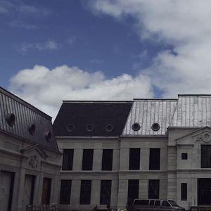 ЧИНИ НЕВЕРОЈАТНИ 100 МИЛИОНИ ДОЛАРИ: Изгледот на вилата на Дрејк во Торонто